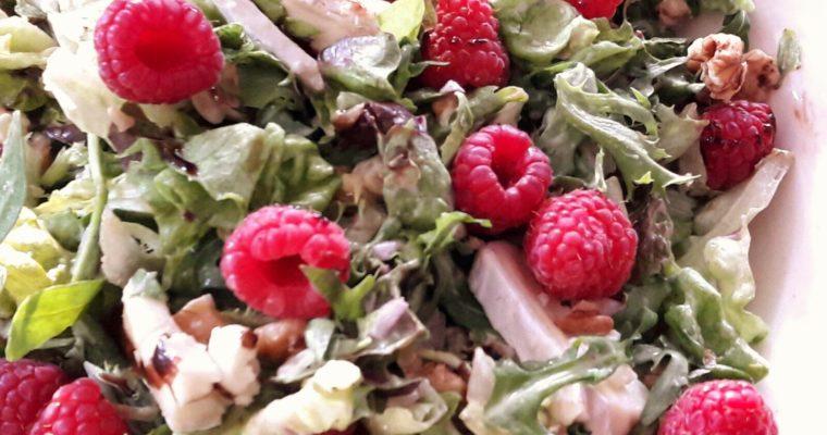 Salade met brie en frambozen, gezonde recepten
